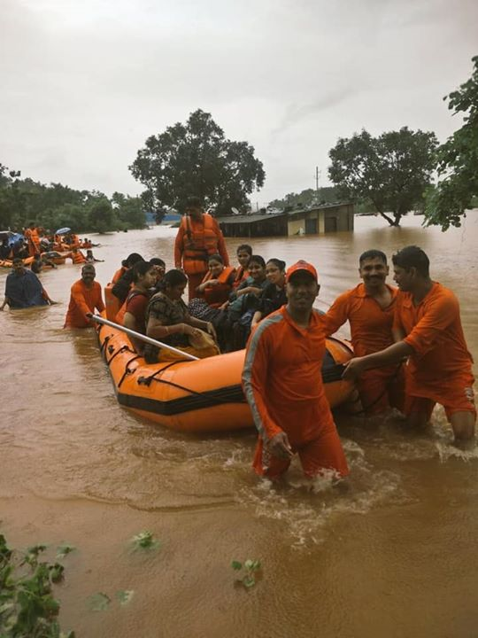 Teams of NDRF, Indian Navy, Indian Army, IAF, Railways and state administration have safely rescued all the 700 passengers stranded on Mahalaxmi Express near Badalpur, Mumbai due to heavy rain.  We were closely monitoring the entire operation.  Kudos to the rescue teams for their exemplary effort.