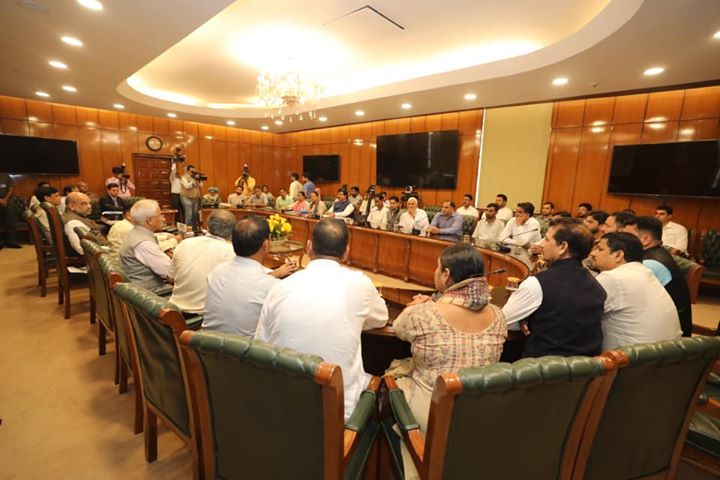‪Had an extensive discussion with groups of representatives from Jammu & Kashmir and assured them all possible help from centre.‬  ‪Peace and progress in J&K is PM Modi's topmost priority.‬  ‪Modi government is committed to bring the people of J&K into the mainstream of development.‬