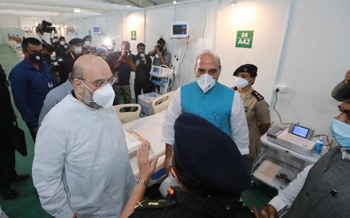 Visited the 1,000 bed Sardar Patel Covid Hospital, which has 250 ICU beds, along with Shri Rajnath Singh ji. DRDO built it in record time of 12 days with assistance from MHA, MOHFW, Armed Forces and Tata Trust.  Armed Forces Medical Services team will run it and DRDO will maintain.